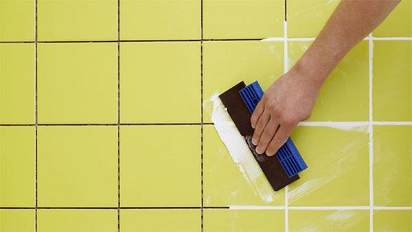 Как правильно фуговать плитку?